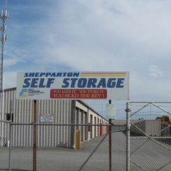 secure entrance gate to shepparton self storage